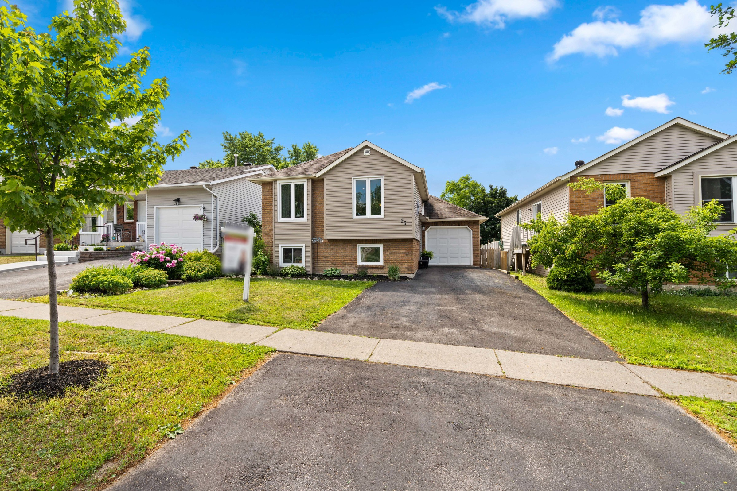 Renovated Bungalow Close To South Barrie Go – 25 Knicely Rd