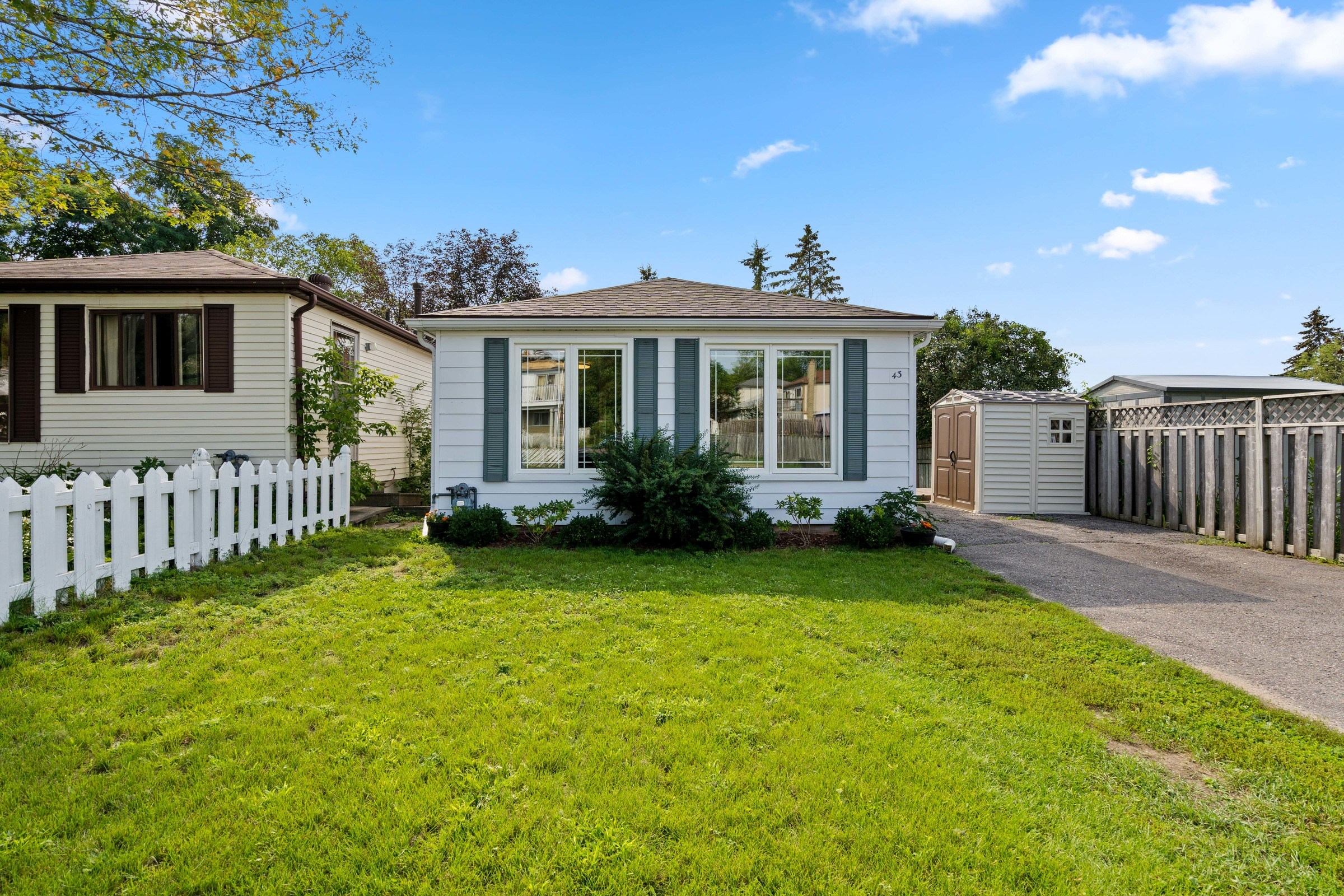 In Law Suite In North Barrie – Welcome to 43 Shaw Crescent